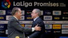 El presidente de LaLiga, Javier Tebas, y el del Real Madrid,...