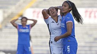 Cruz Azul evitó la derrota en el último segundo.