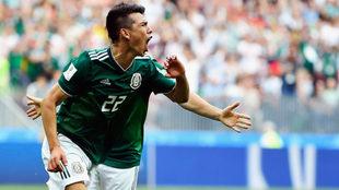 Lozano en festejo por el gol de la victoria ante Alemania en Rusia...