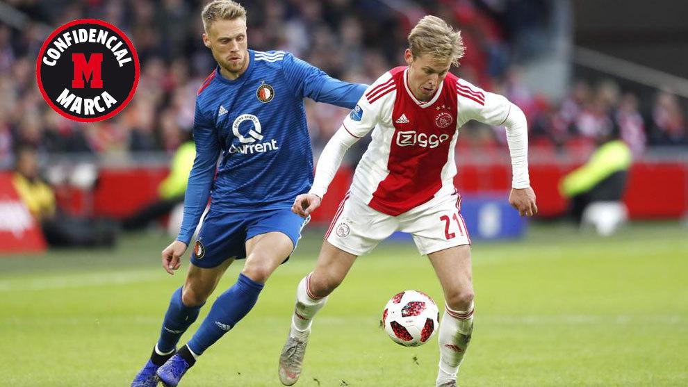 De Jong, en un partido contra el Feyenoord.