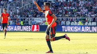 Elustondo celebra un gol en Vallecas con la Real Sociedad