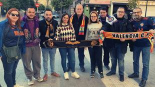 Hermanamiento entre las aficiones del Valencia CF y del Real...