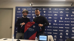 Emilio Vega, con Yangel Herrera