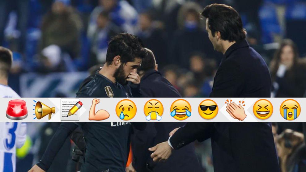 Solari and Isco do not look each other as the No. 22 comes off.