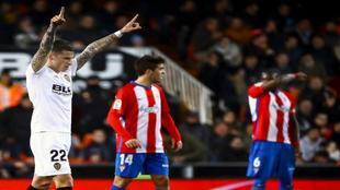 Santi Mina celebra un gol ante el Sporting en Copa del Rey.