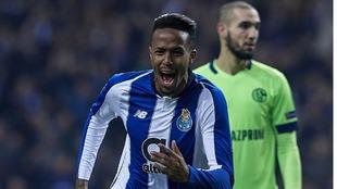 Militao celebra un gol con el Oporto.