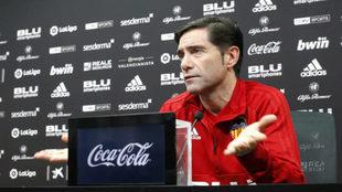 Marcelino, en una comparecencia de prensa con el Valencia.