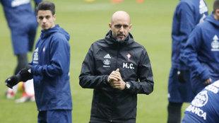 Cardoso, técnico del Celta de Vigo, durante un entrenamiento.
