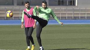 Samu de los Reyes, durante un entrenamiento con el Almería