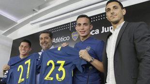 Iván Marcone posa con la camiseta de Boca Juniors.
