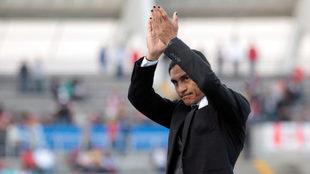 Palencia aplaude a sus jugadores.