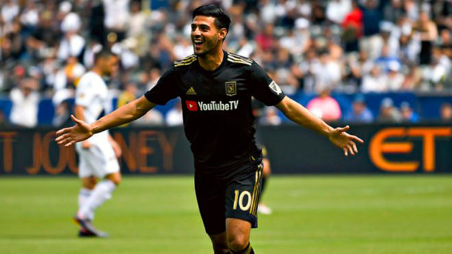 Carlos Vela celebra un tanto con Los Ángeles FC /