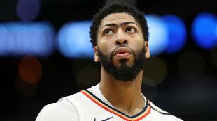 Anthony Davis, pensativo durante un partido de los Pelicans.