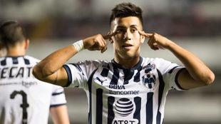 Maxi Meza celebra su gol ante Gallos