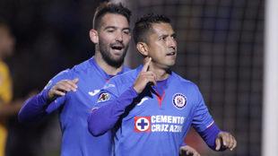 Elías Hernández festeja su gol ante Tigres