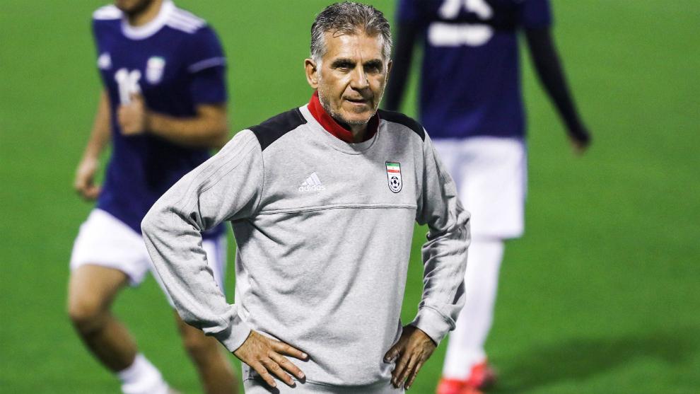 Carlos Queiroz durante un entrenamiento con la selección de Irán