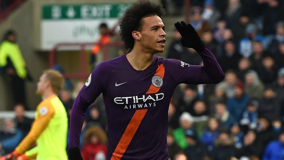 Sané celebra su gol al Huddersfield