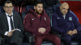 Messi on the bench during the game against Tottenham.