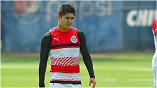 Eduardo López, en un entrenamiento con Chivas.