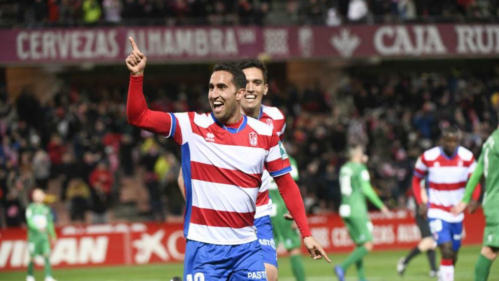 Montoro celebra el segundo gol que le marcó al Elche