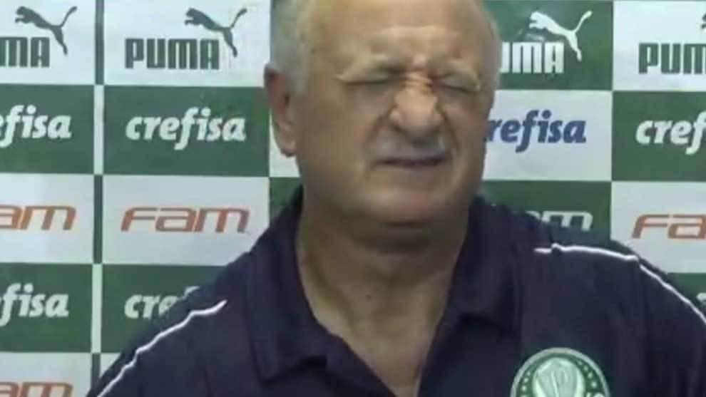 """Scolari abandona la rueda de prensa por el dolor de un cólico: """"No puedo más"""""""