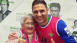 Merchi, una aficionada de 80 años logra conocer a Joaquín