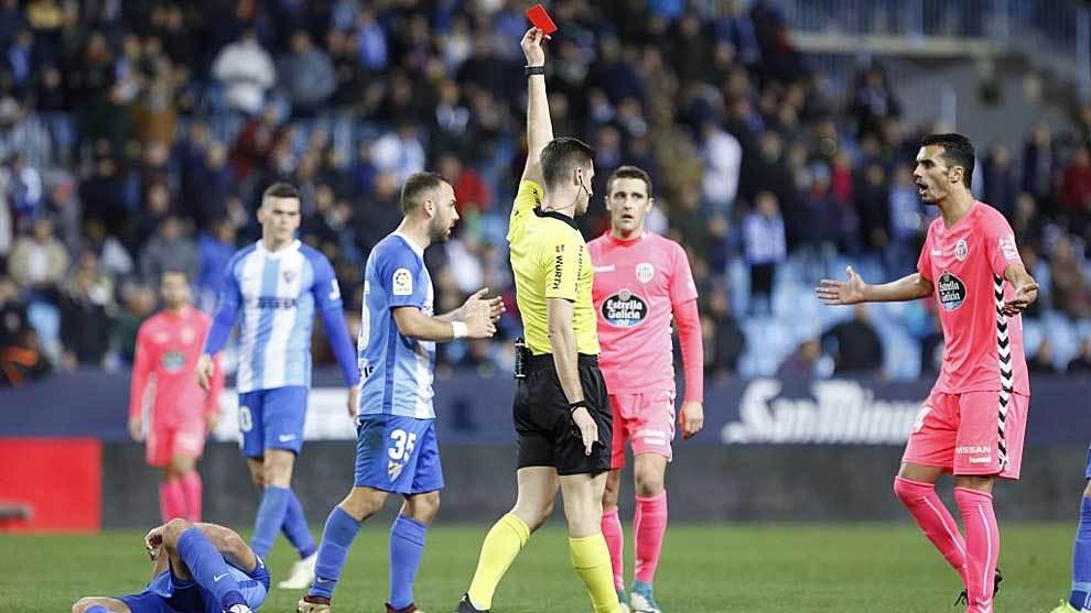 Iriome le protesta a Moreno Aragón la roja directa a su compañero...