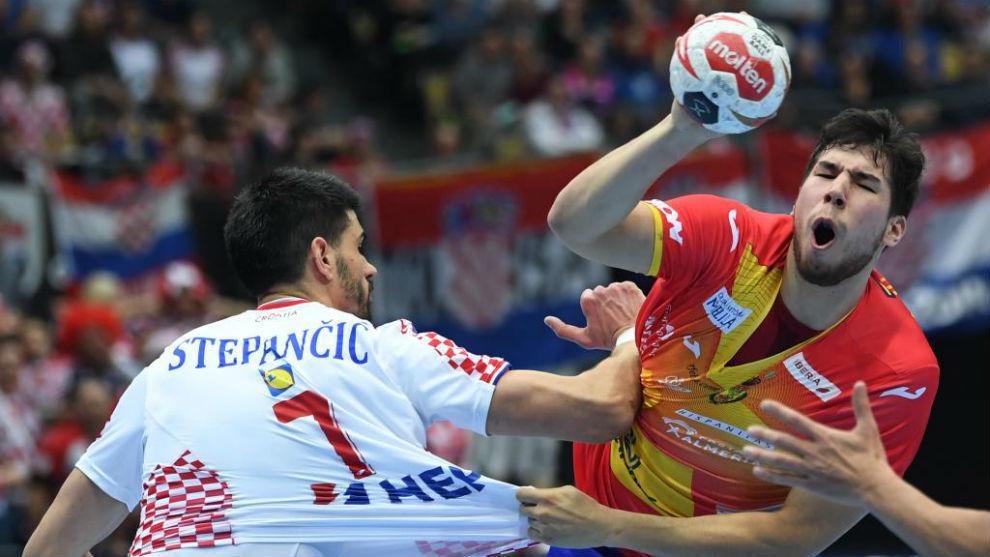 Dani Dujshebaev, en acción en el partido frente a Croacia /
