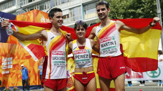 De izquierda a derecha, Diego García Carrera, María Pérez y Álvaro...