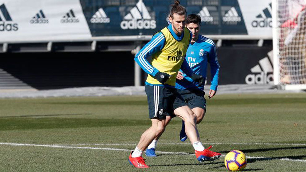 Bale during the training session at Valdebebas.