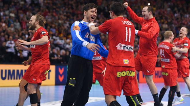 Los jugadores daneses celebran su calificación para la final del...