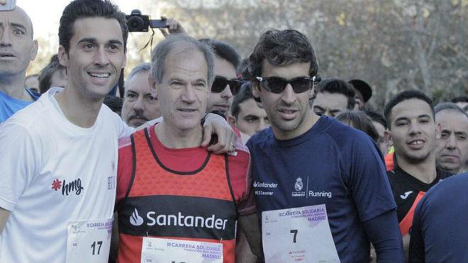 Arbeloa, Abel Antón y Raúl, en la salida de la carrera