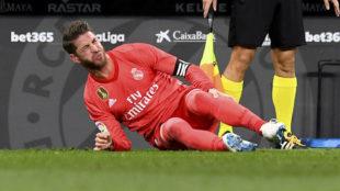 Ramos se duele del golpe recibido por Sergio García.