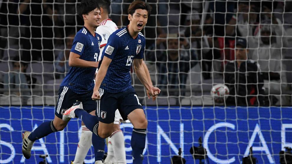 Osako celebra el segundo de sus goles a Irán.