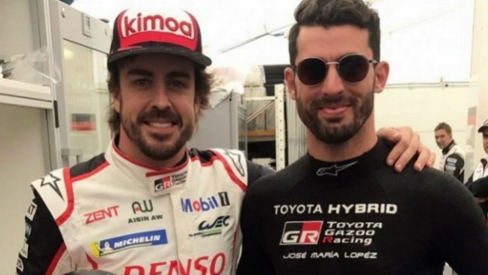 Alonso, con Pechito López.