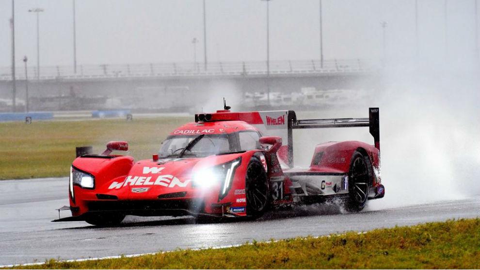 Felipe Nasr, sobre su Cadillac en Daytona.