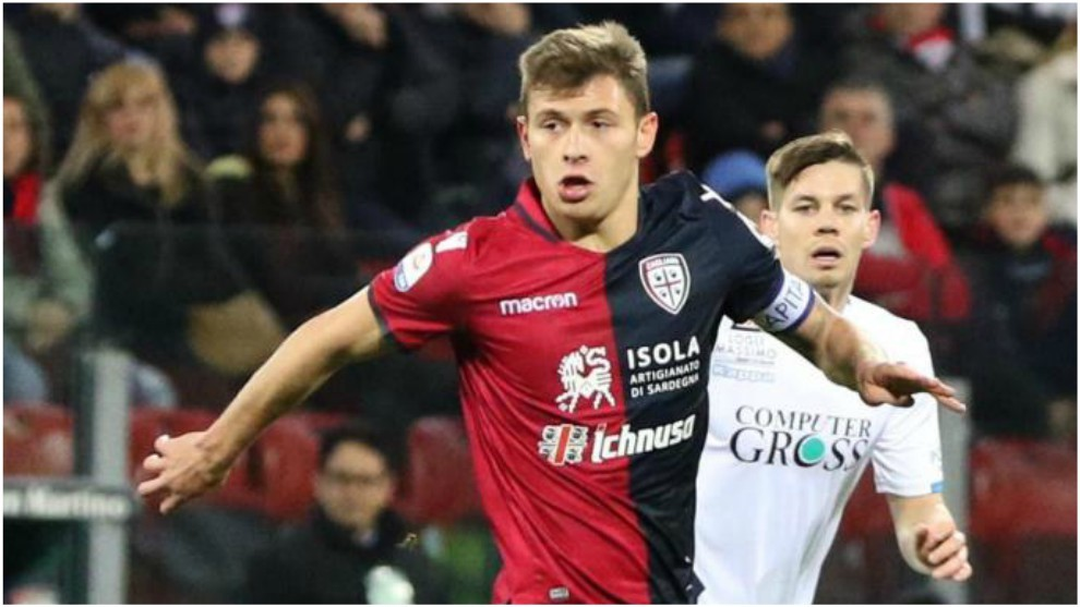 Nicolò Barella conduce el balón contra el Empoli.