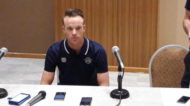El belga Iljo Keisse durante la rueda de prensa en la que ha explicado...