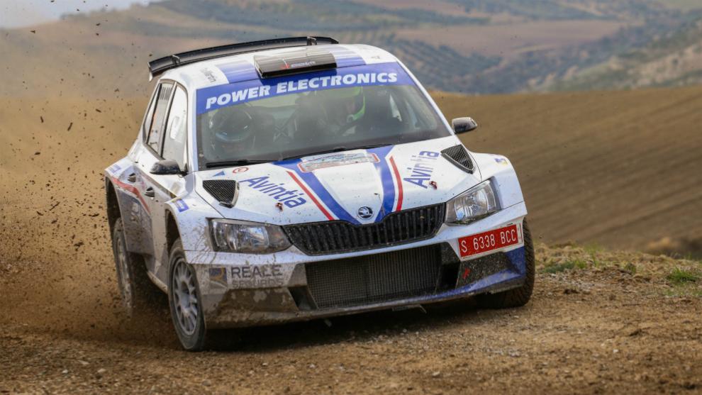 Xevi Pons pilotando el Skoda Fabia R5 con el que ganó el Nacional de...