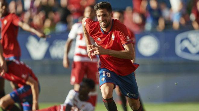 Kodro celebra un gol con Osasuna.