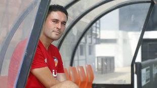 Miguel Grau, entrenador del filial, posa para MARCA.