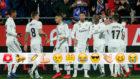 Los jugadores del Madrid celebran un gol al Girona
