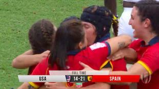 Las 'Leonas' se felicitan tras el triunfo ante Estados...