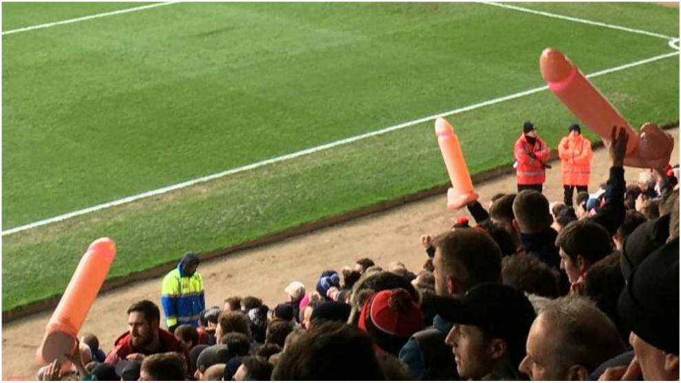 England Lincoln Fans Mock Notts County Owner With