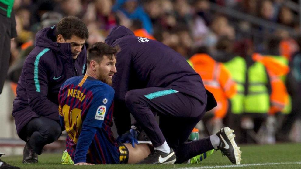Messi hace saltar las alarmas: sufre una contractura leve y es duda contra el Real Madrid