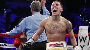 El mexicano festeja una victoria en Las Vegas