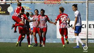 Las jugadoras del Atlético de Madrid celebran un gol en Tenerife.