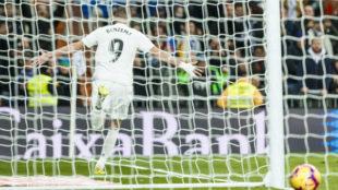Benzema, celebrando el gol ante el Alavés