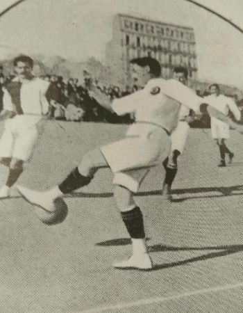 Berraondo como jugador del Real Madrid, probablemente contra el...