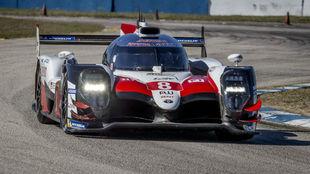 El Toyota #8 de Alonso, Buemi y Nakajima, en Sebring.